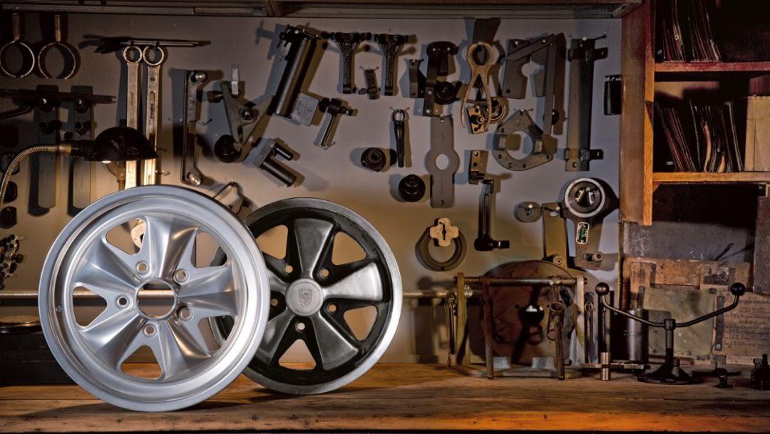 Porsche Fuchs rims cloverleaf design