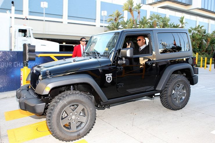 """Kobe Bryant Jeep Wrangler """"Call of Duy Black Ops"""" Edition"""
